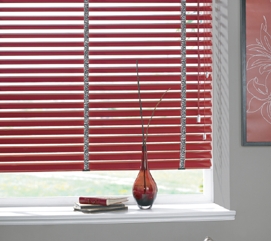 red blind curtain